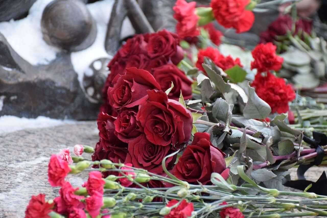 Церемония возложения цветов к мемориалу «Воинская слава»