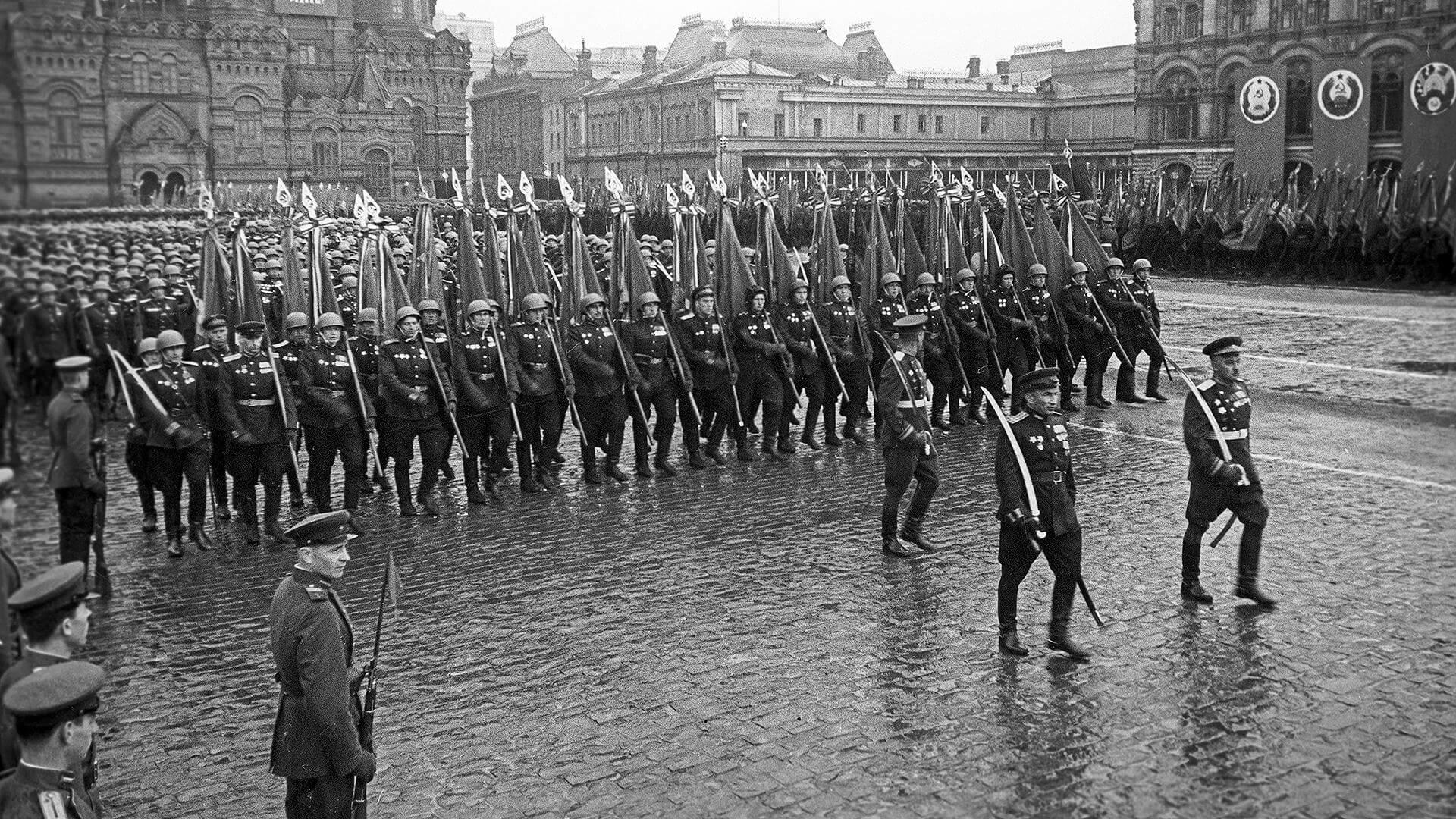 24 июня — Парад Победы в Великой Отечественной войне