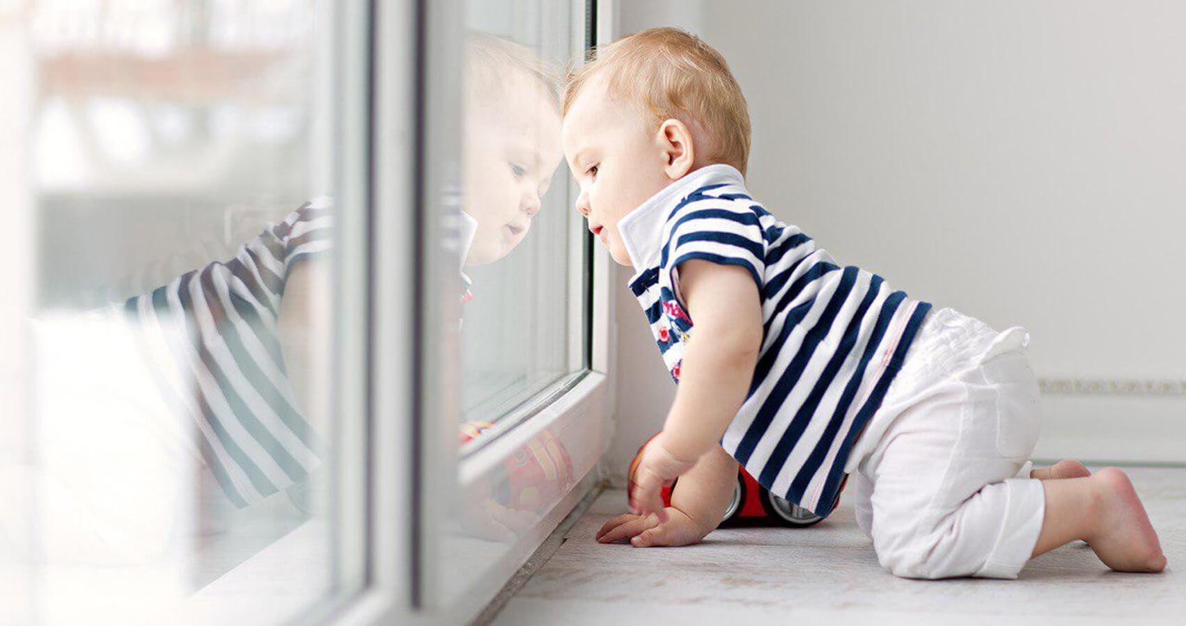 Рекомендации по защите детей от падения из окна